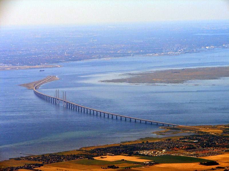 Denmark-Sweden-connected-by-Oresund-bridge-002