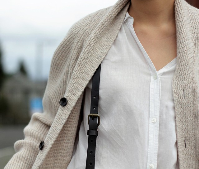how to style suspenders