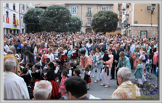 Briviesca en Fiestas 2.015 Procesión del Rosario y canto popular de la Salve (20)