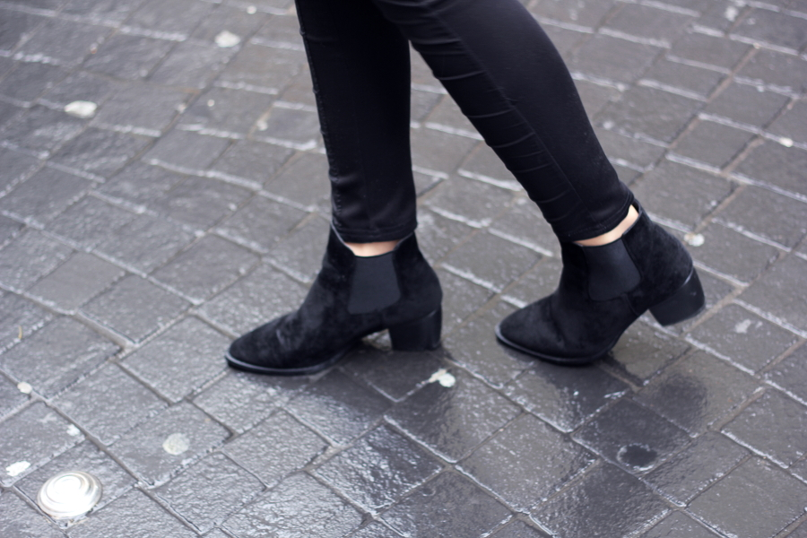 outfit-shoes-boots-booties-asos-skinny-pants-röhren-hose-stiefeletten-absatz-schwarz-leather-blogger-street-shot