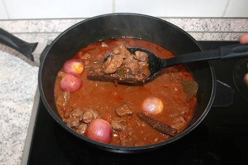 49 - Fleisch & Zwiebeln entnehmen / Take out meat & onions