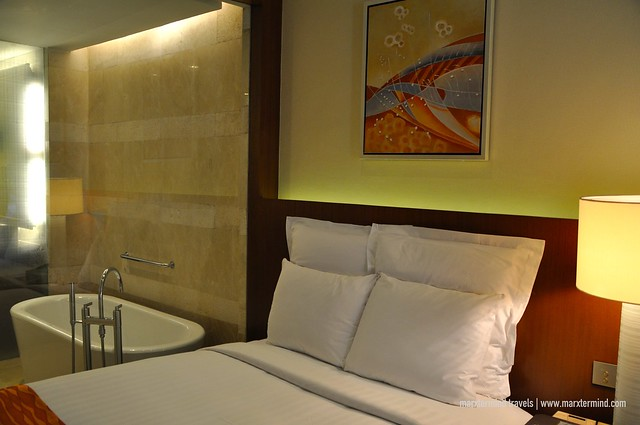 Bed at Deluxe Room at Manila Marriott Hotel