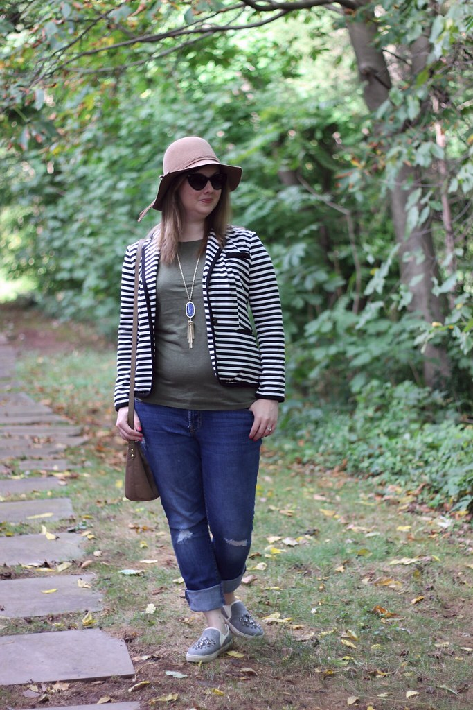Onno Tee and striped blazer (3)