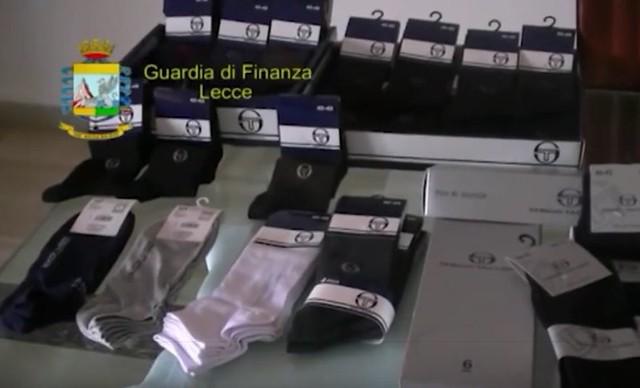 Casamassima-Maxi sequestro di articoli contraffati al Baricentro (2)