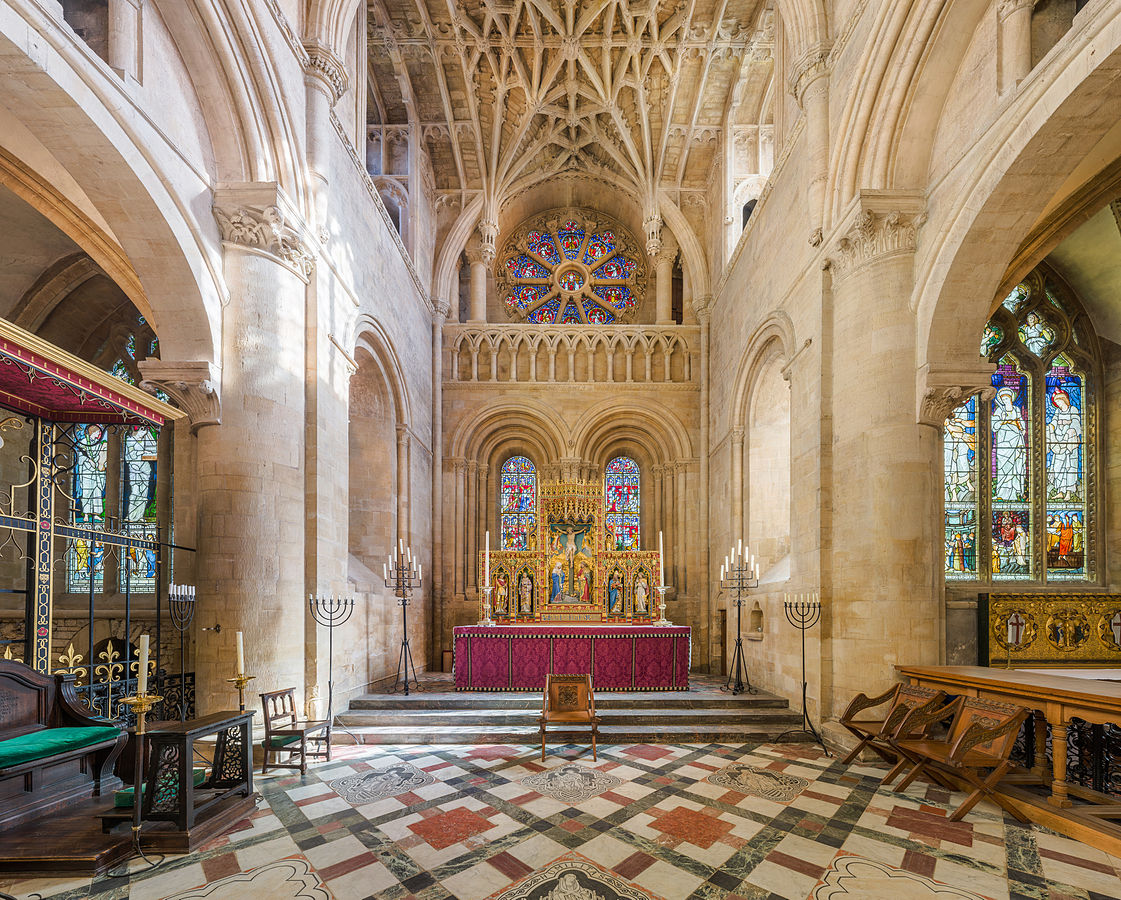 Christ Church Cathedral, Oxford - The altar and vault. Credit: David Iliff