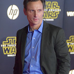 Tony Goldwyn at the World Premiere of Star Wars The Force Awakens Red Carpet #StarWars - DSC_0162