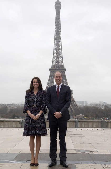 Kate Middleton and Prince William Pose for Pics in Front of Eiffel Tower, Look More in Love Than Ever!