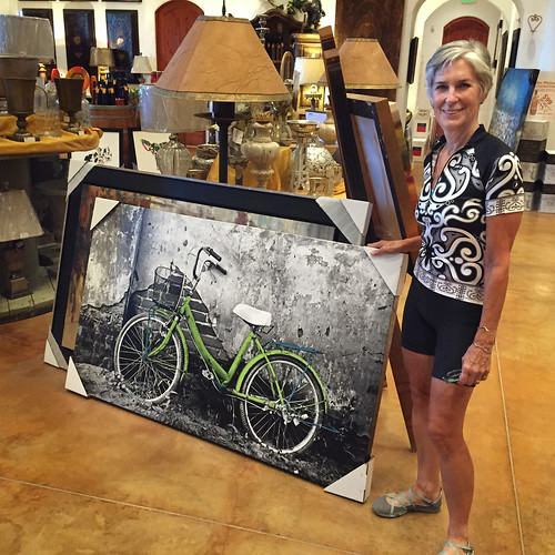 Tricia with bike art at winery Lodi Bike Summit 058