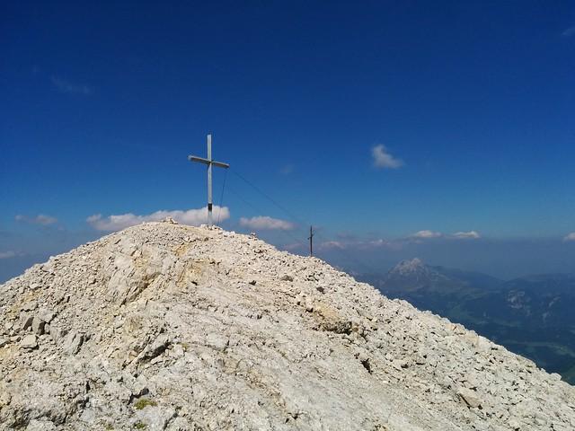 Die 2 Gipfelkreuze am 1. La Varella-Gipfel