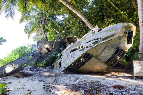 beach airplane catalina aircraft wwii consolidated tropicalisland ww2 wreck flyingboat diegogarcia tropics pby consolidatedpbycatalina