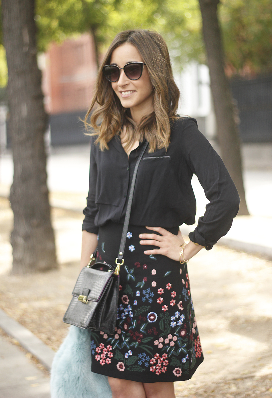 black skirt with flowers outfit08