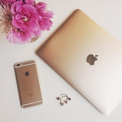 apple + guld