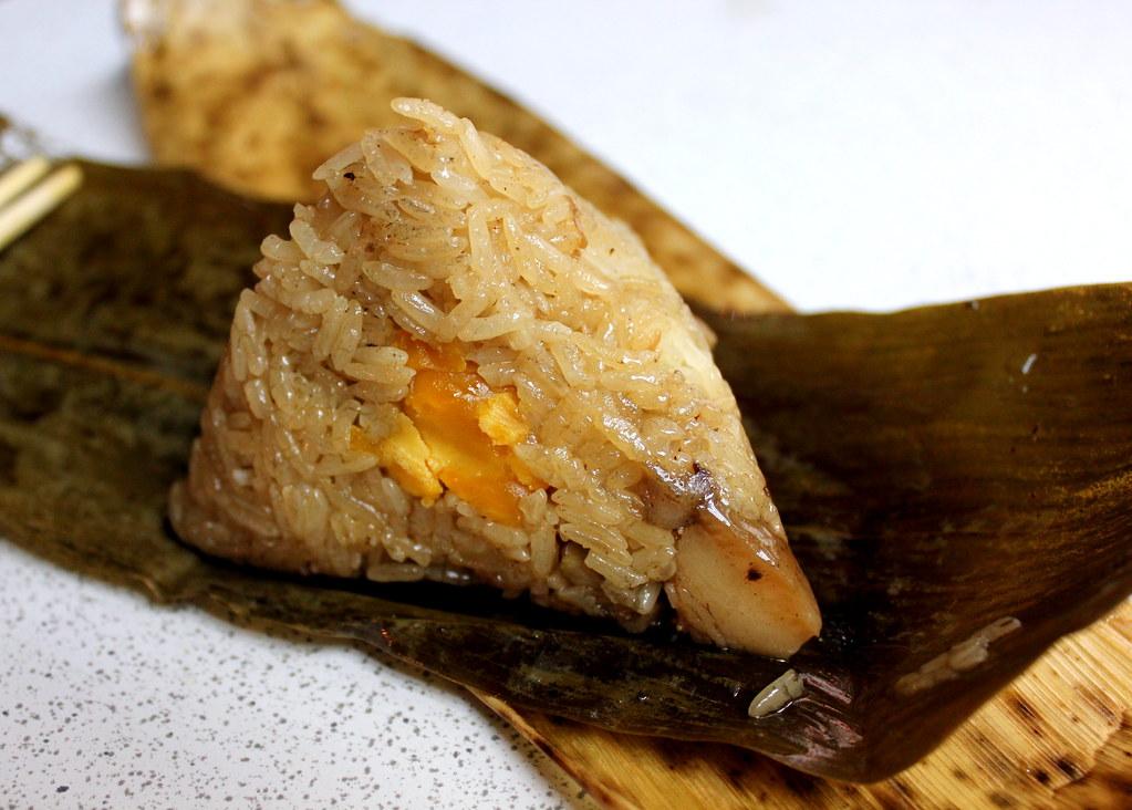 台北夜市小道:华西街夜市咸蛋饺子