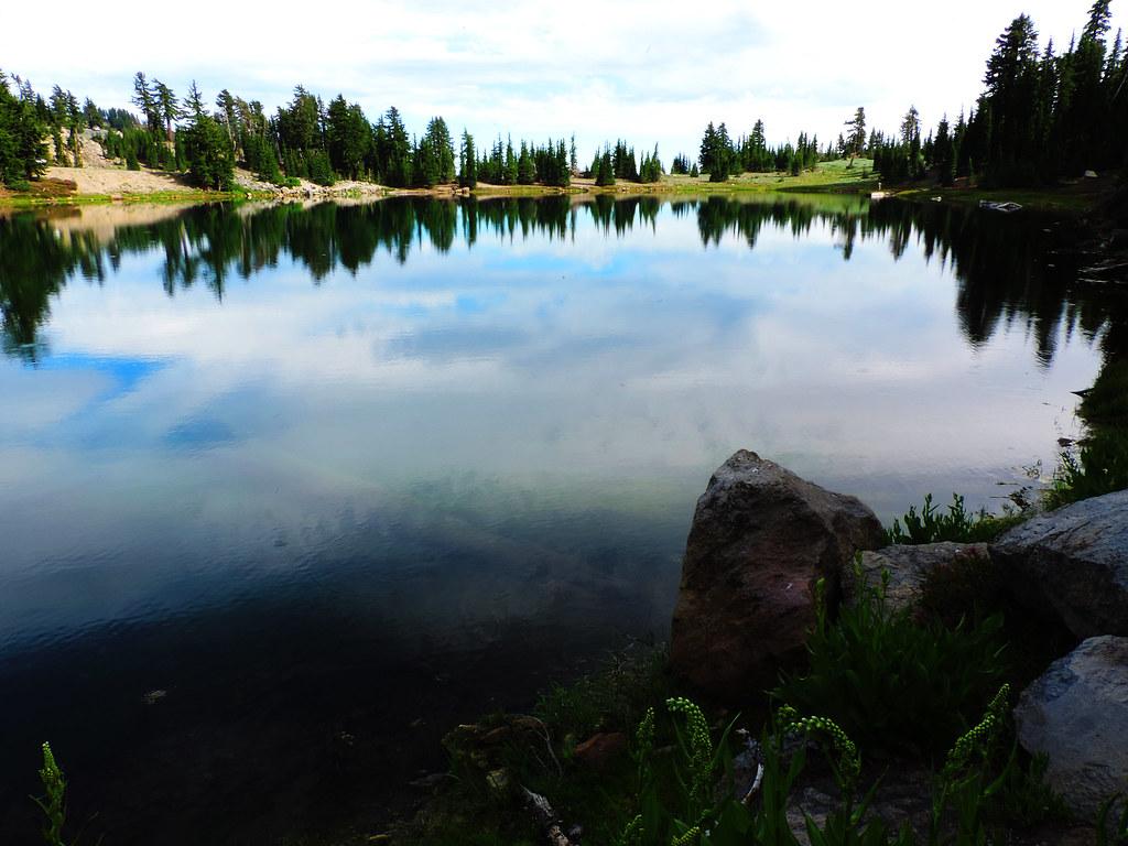 Emerald Lake, Lassen Volcanic National Park, CA, USA