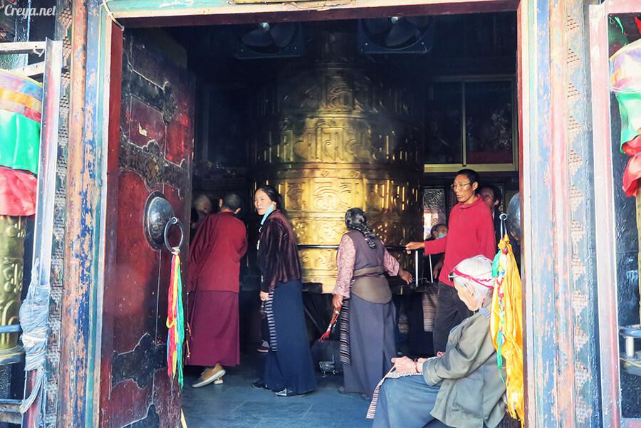 2015.12.09 ▐ Tibet 西藏踢北去 ▐ 尋找藏人真正的拉薩中心,被信仰力量震撼的大昭寺與舊城區 26.jpg