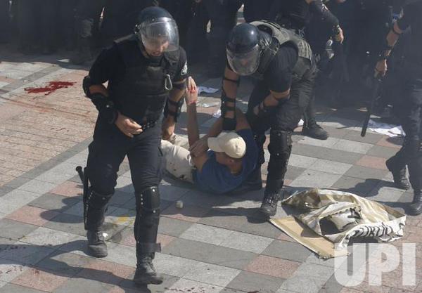 noi_violente_la_Kiev (9)