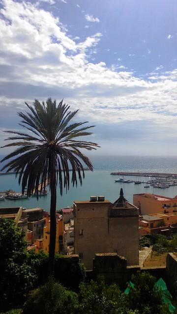Panorama sul porto da Piazza Scandaliato