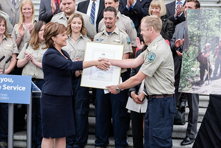 Premier Christy Clark offered a public thank-you to BC Wildfire Service crews and staff today.