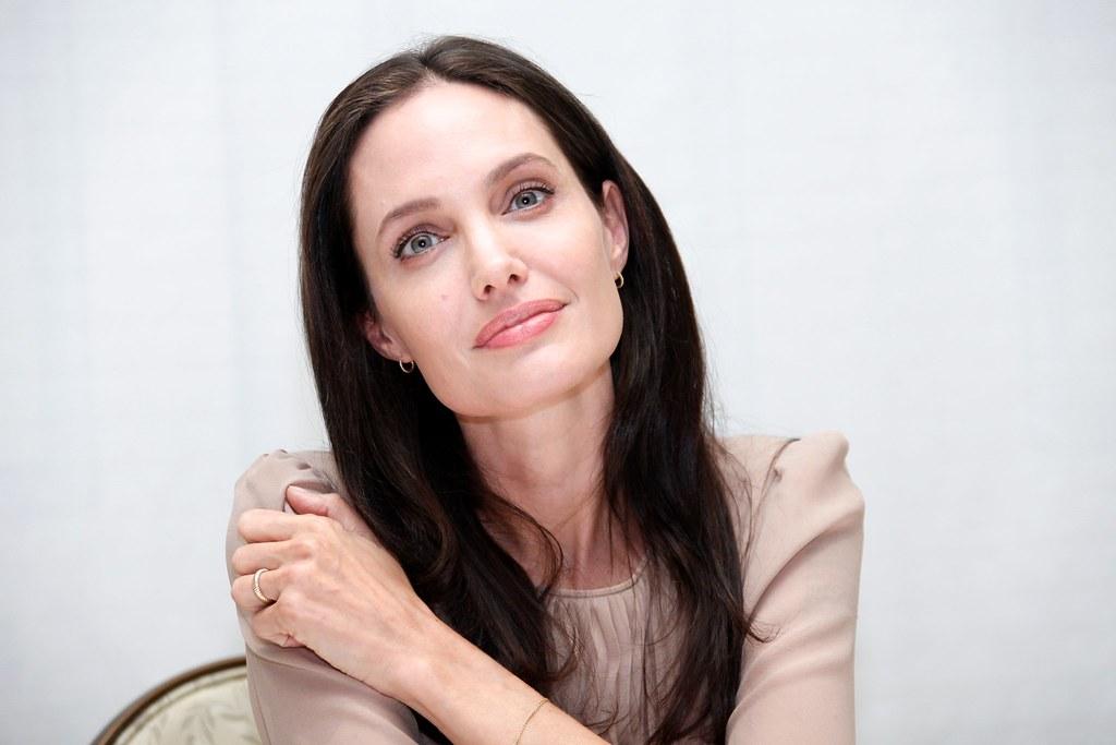 Анджелина Джоли — Пресс-конференция «Лазурный берег» 2015 – 25