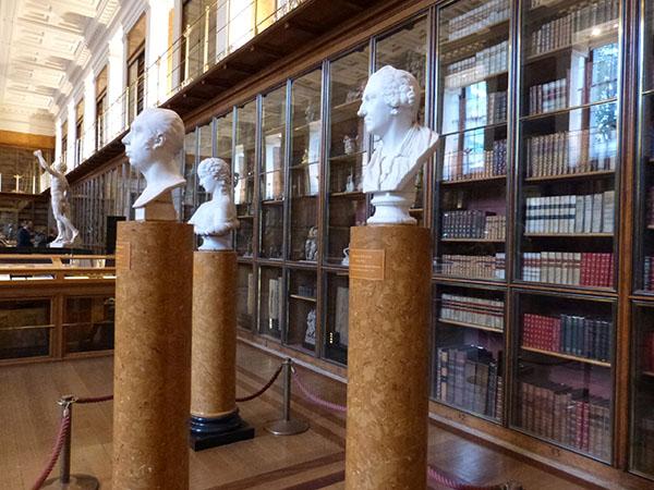 grande bibliothèque de Georges IV