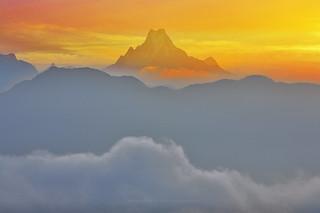 sunrise Machhapuchhare / Nepal
