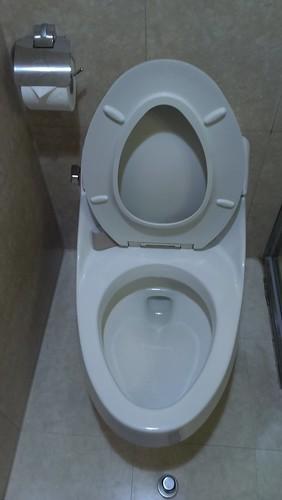 來台中逢甲不選日租而住宿鼎隆國際商旅的五個理由_浴室環境