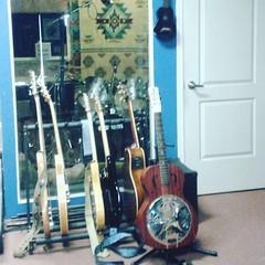 #guitar #telecaster #fender #guitar #Stratocaster #chrome #USA #rock #blues #resonator #Gretsch #blues #Epiphone #G400 #studio #Sheraton