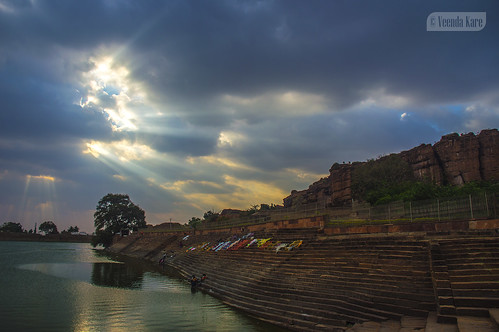 india ancient karnataka badami rays sunset vatapi bagalkot lake sandstone water