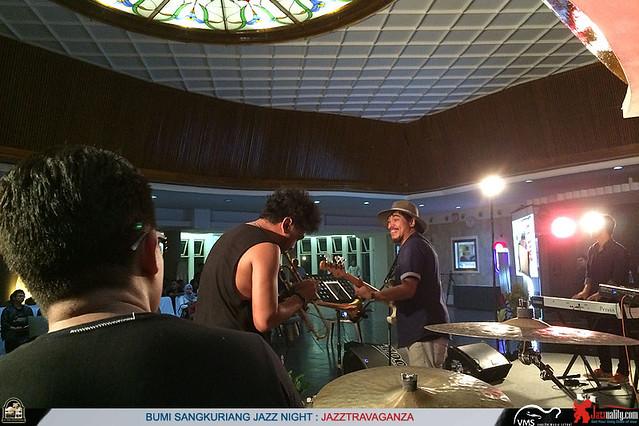 BumiSangkuriangJazzNight-DimasPradipta-TnD-BarryLikumahuwa-JordyWaelauruw (2)