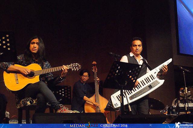 Medan Christmas Jazz - Indra Lesmana Keytar Trio Eva Celia Gerald Situmorang (5)