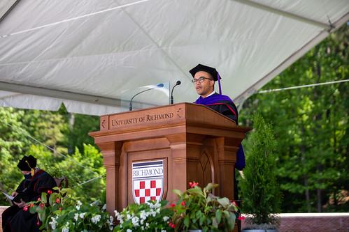 Jepson alumnus Ken Anderson, '17, greeted the new alumni