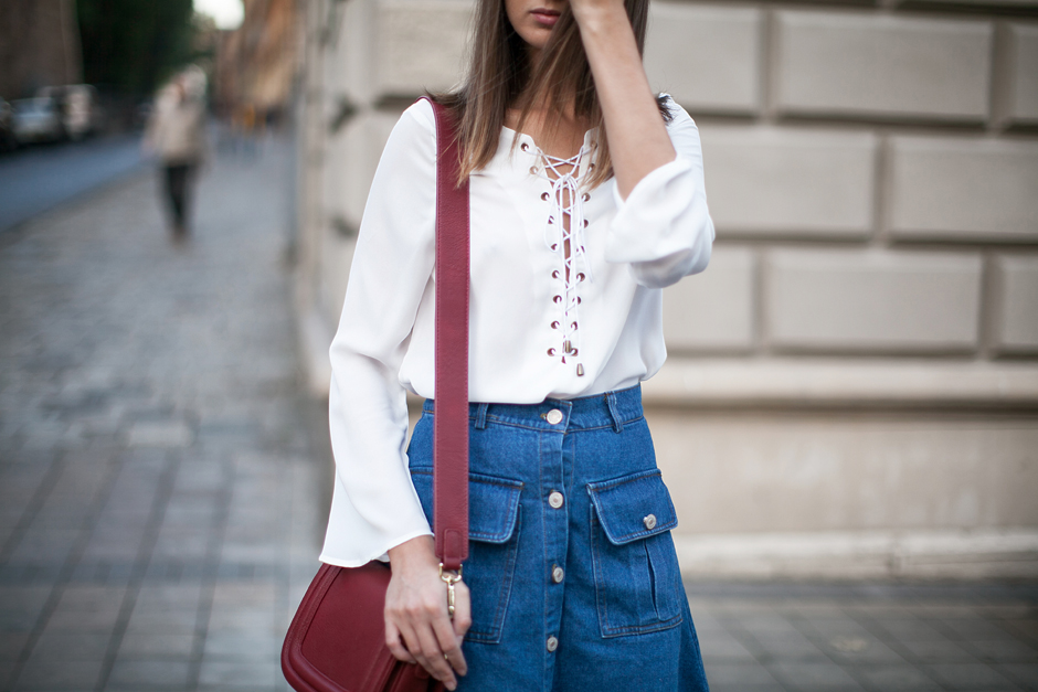 white-lace-up-top-outfit-street-style