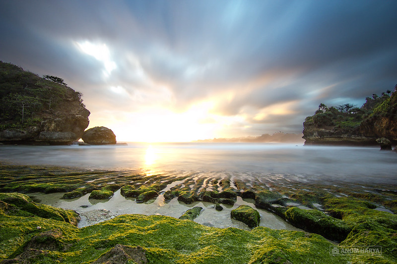 Pesisir Barat Pantai Batu Bengkung