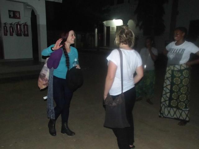 Sarina & Leah arrive at The GLO