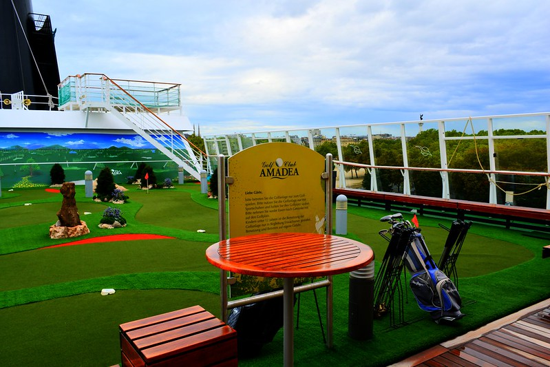 Mini-Golf - Visite du paquebot AMADEA - Bordeaux, 16 septembre 2015