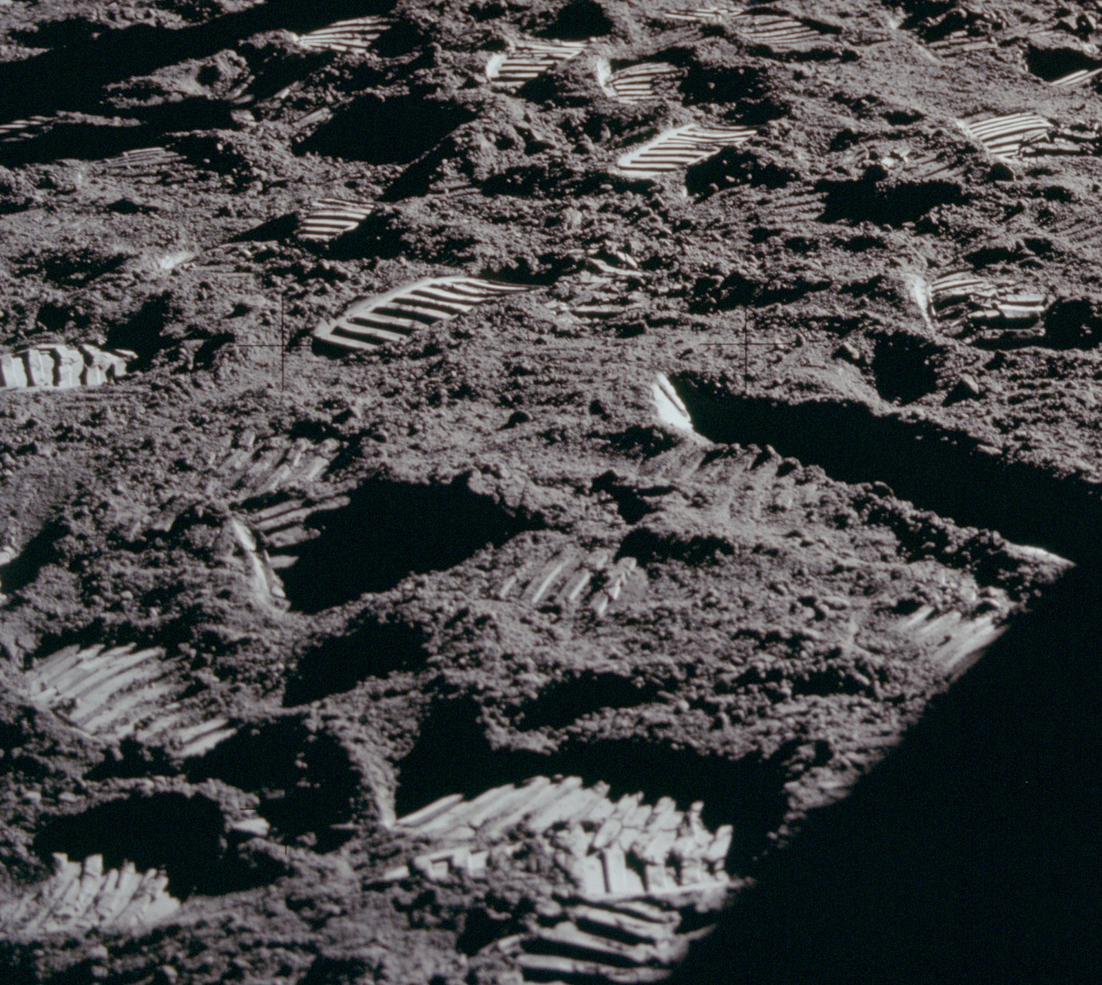 apollo-footprints-2