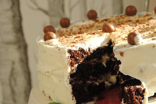 hummingbird bakery malteser cake