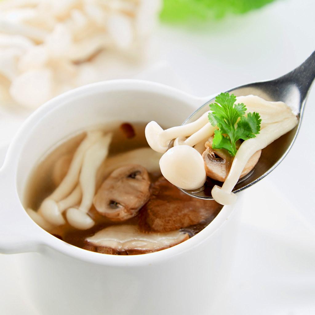 清燉野菇湯(特寫)