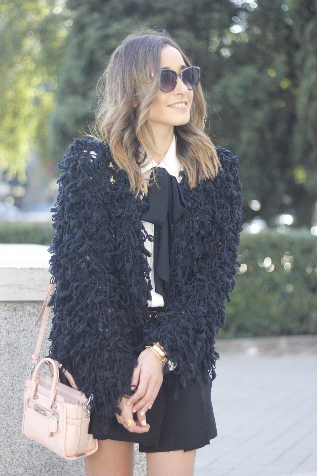 black jacket shirt with black bow coach pink bag heels outfit07