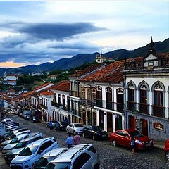 A Rua Direita em Ouro Preto no belíssimo click de Pablo Grilo... #AplausoBlogAuroradeCinema #igersmg #ouropreto #mineiro #minasgerais #cidadehistorica  #mineirice @pablo_grilo #click  #photographer #olhar_brasil #brazil #patrimôniodoBrasil  #lindodever #a