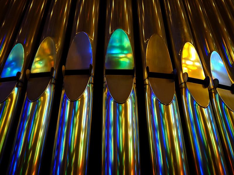 Базилика Святого Семейства. Organ pipes
