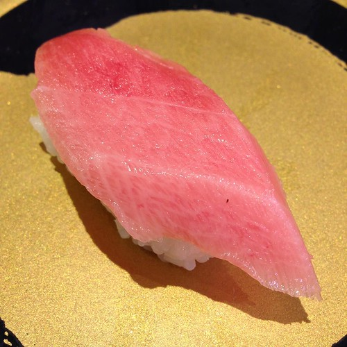 大トロ一貫150円。 #はま寿司