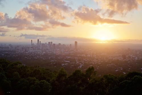 mountcoottha brisbane sunrise cityscape landscape sun clouds 6am lookout dawn