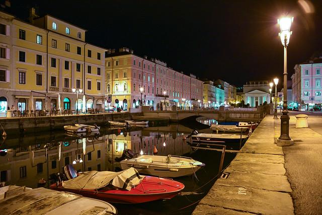 Ponterosso by night