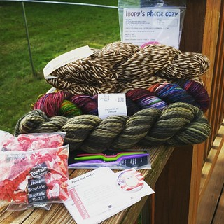 Happy Mail from @theloopyewe and they remembered that I didn't get any loopy kisses with my last order,  so I got 2! ☺ All I really needed was soft #camo colored yarn, but who orders just 1 thing, right?  @blueskyalpacas cotton for a special #babyknit - #