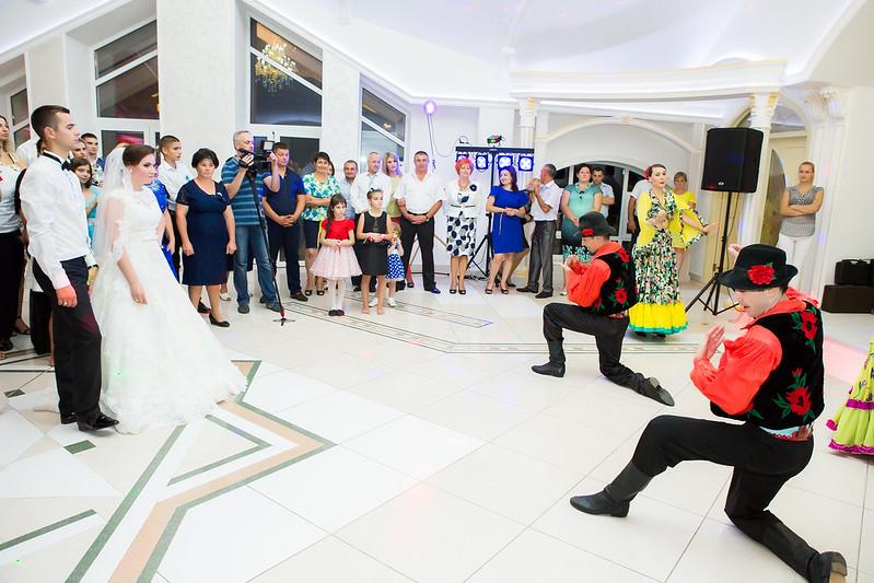 """Танцоры на свадьбу и других торжеств Ансамбль """"Mărțișor"""" > Фото из галереи `Без названия`"""