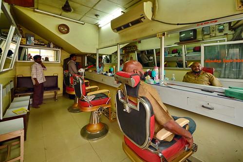 India - Tamil Nadu - Vellore - Barber Saloon - 1