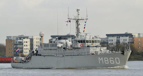 HNLMS Schiedam M860 (1) @ Gallions Reach 26-11-15
