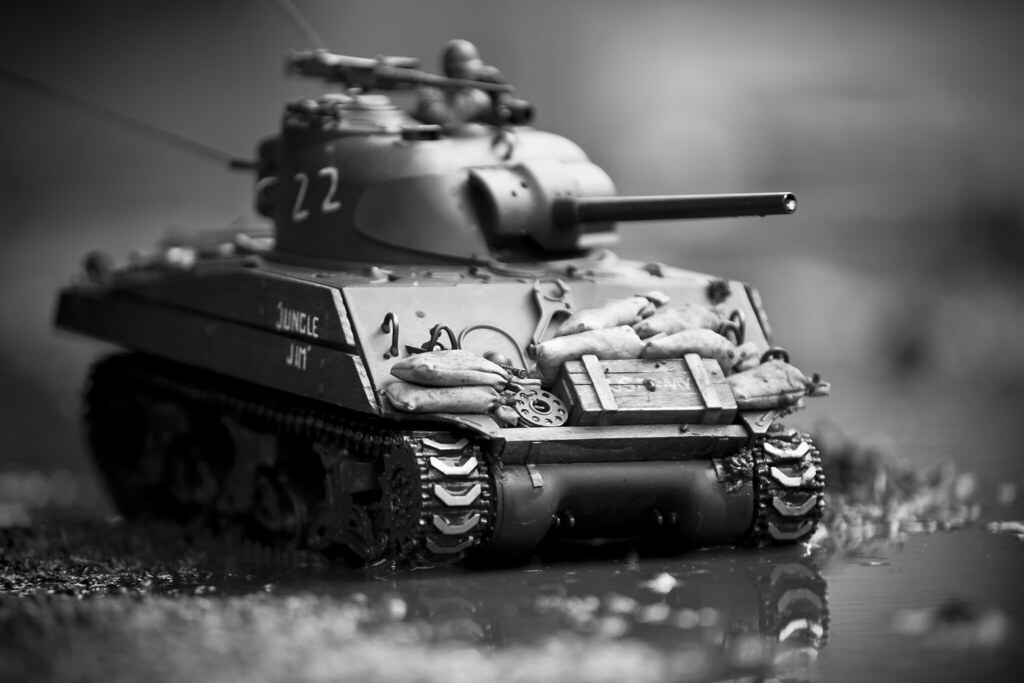 Sherman in the Mud - RC Tank Warfare