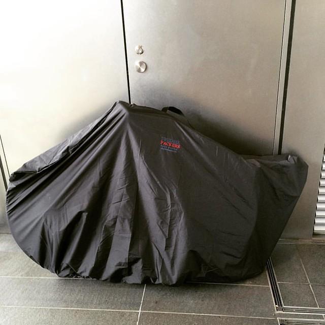 パッキングだん。 #fredricpackers の輪行バッグは後輪を外さなくてよいのでめちゃ楽だ。 #輪行 #cyclingphotos